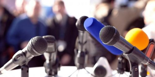 Press conference adalah